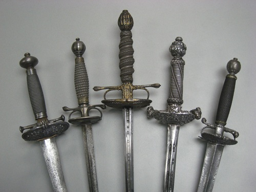 Pilow swords
