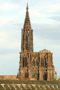 401px-Cathedrale_strasbourg_vue_generale