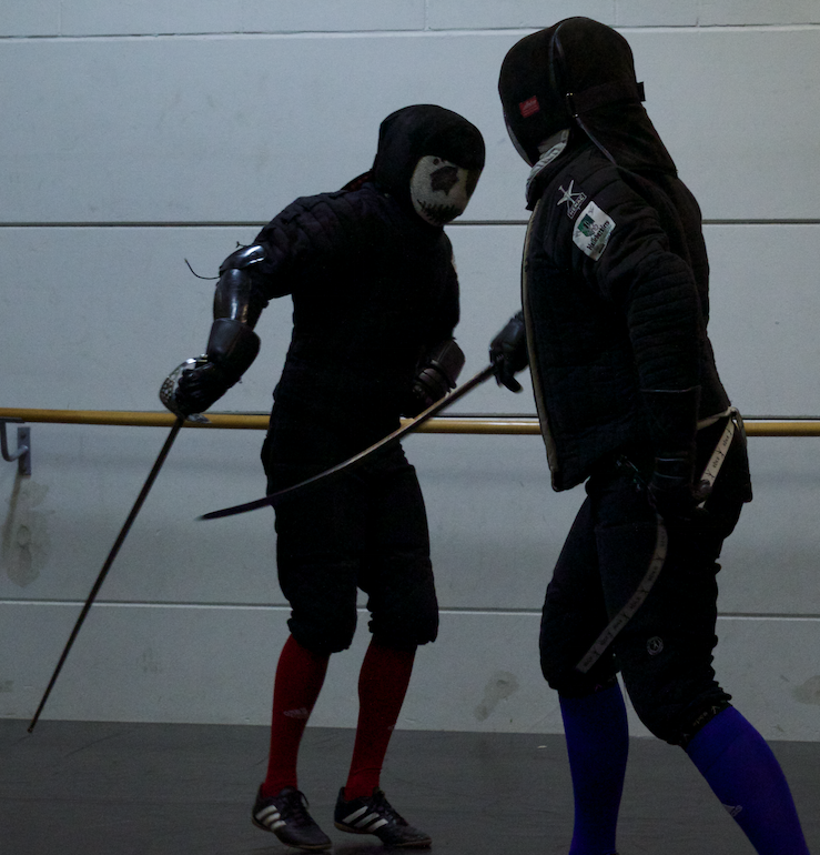 Sparring between Steven Sigmans and myself, Hallebardiers Bruges (Belgium).  Experimenting with different kinds of sabers. Picture by Aster Soetaert (7-05-2015)