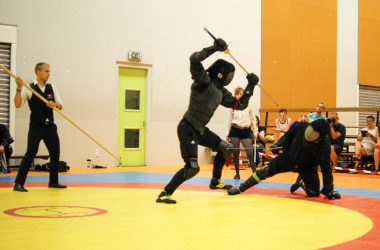 Arto Fama makes a half-sword thrust at the Dutch Lions Cup